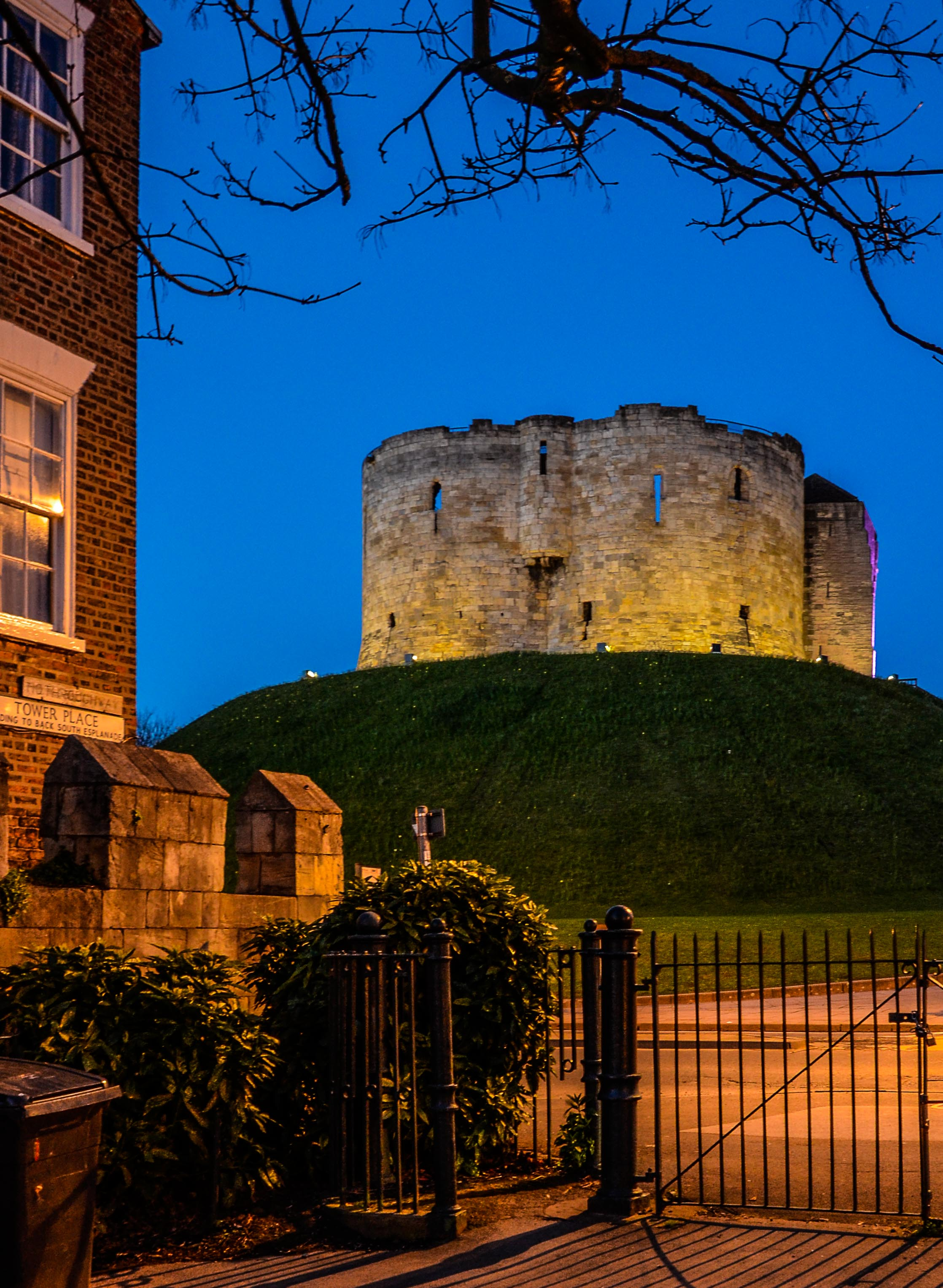 Cliffords Tower from Tower Gardens